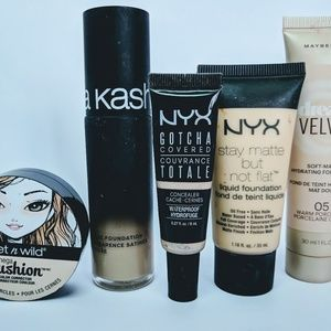 Bundle of Fair to Light Concealers and Foundations